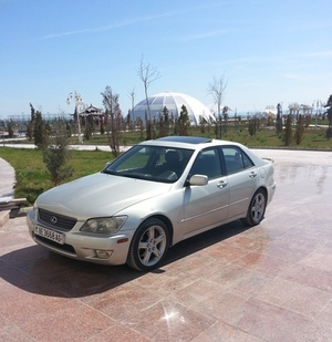 Продам Lexus IS 300