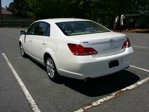 TOYOTA AVALON 2010 MODEL